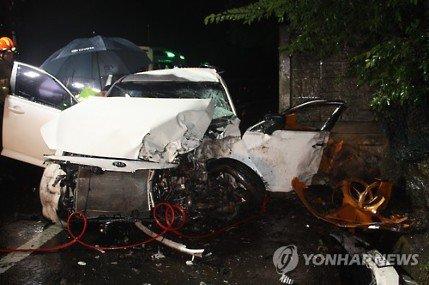 http://image.fmkorea.com/files/attach/new/20160903/486616/158552303/452629300/9859fd8a8a337c3758f31a496809a128.jpg